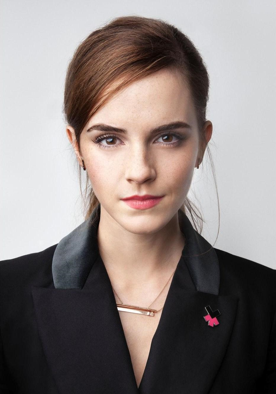 flur-magazine-10-mujeres-diseño-arquitectura-emma-watson she knows