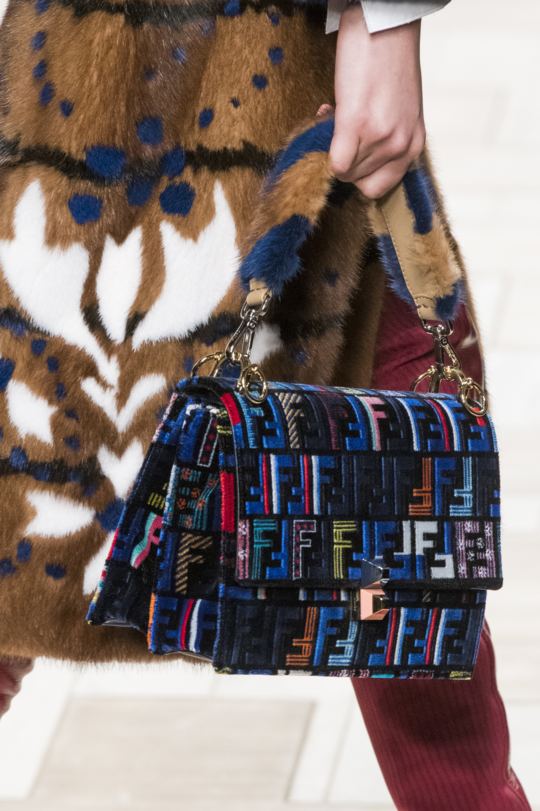 flur-magazine-best-bags-accessories-fashion-weeks-fendi-clpr-rf17-1151-2
