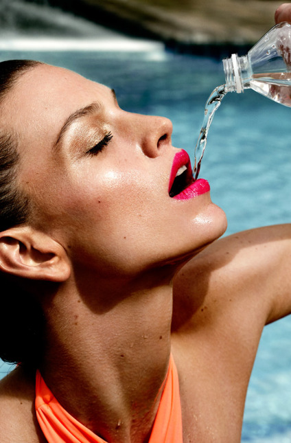 shape_magazine-woman-drinking-water-513
