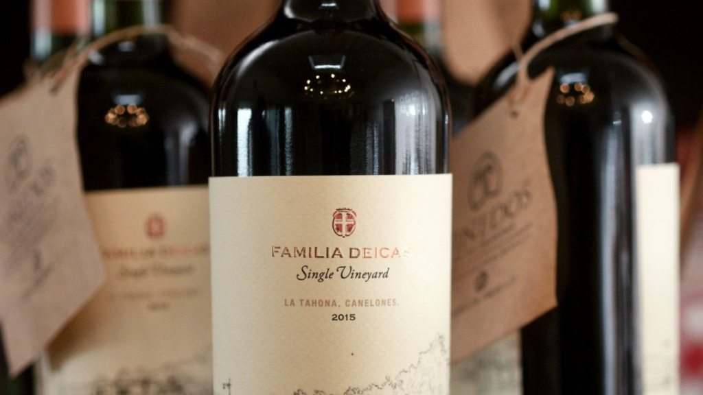 Los Domínguez nivel 1 local 160 vino Familia Deicas single Vineyard $595
